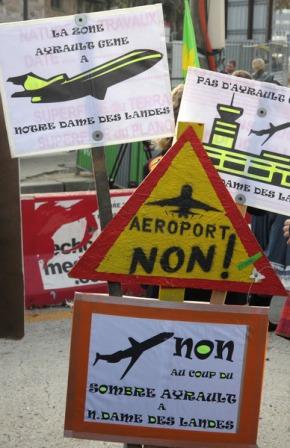 """12 novembre 2011 l'arrivée à Paris de la manifestation """"tracto-vélo"""""""