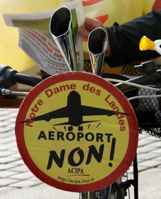 """arrivée à Paris de la manifestation """"tracto-vélo"""""""
