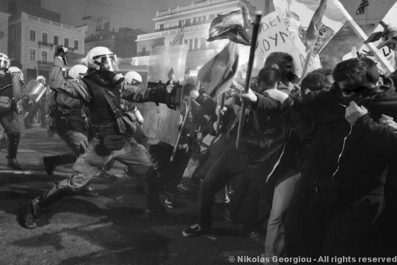 Solidarité avec les manifestants grecs opposés à l'austérité et l'accord du 13 juillet. Liberté et relaxe immédiate pour tous les manifestants interpellés !