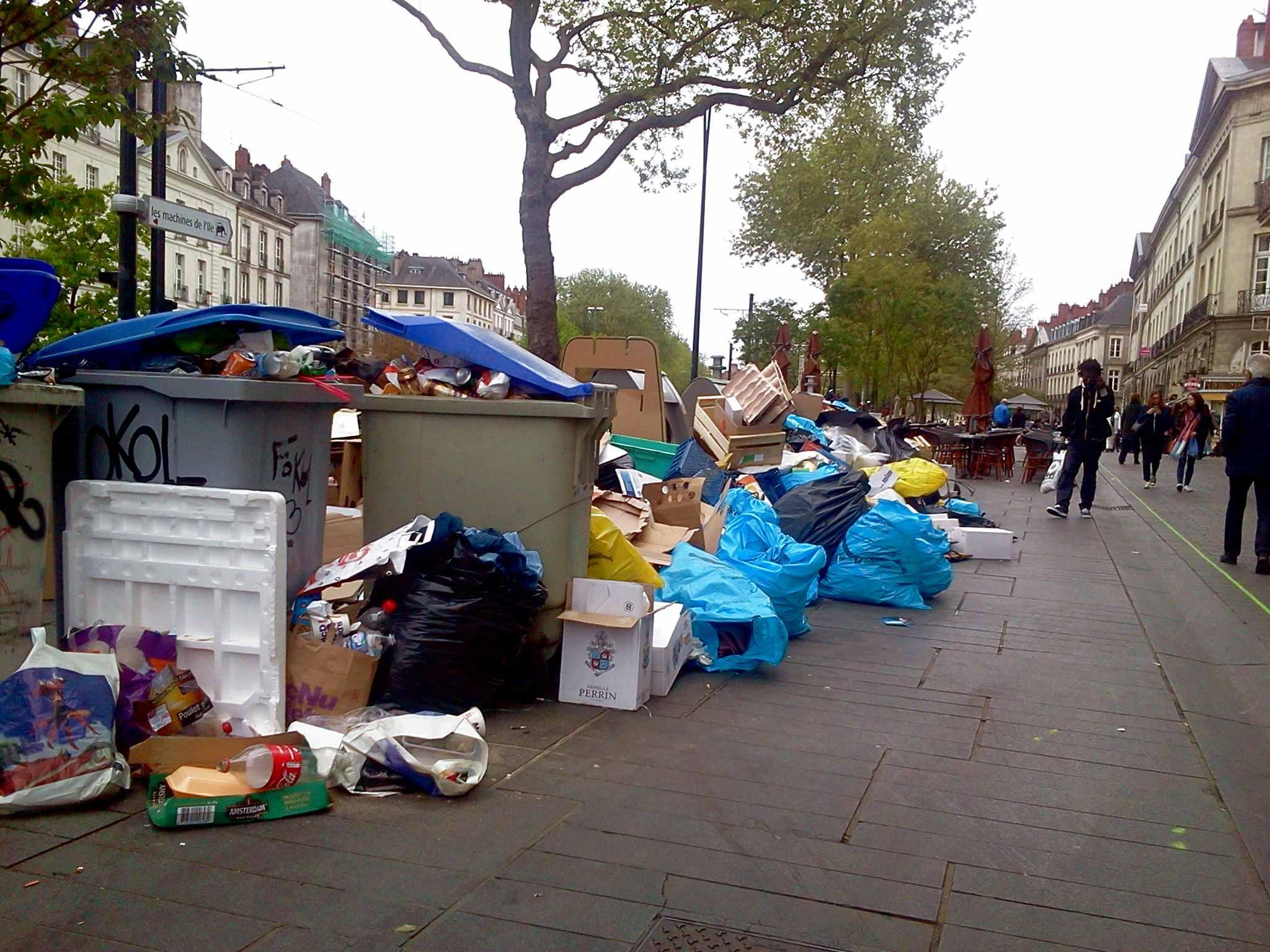 Déchets à Nantes : Fin du blocage, la collecte reprend