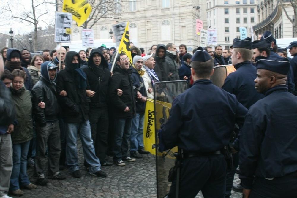 facteurs des Hauts de Seine en grève illimitée ! 1602140_1388469358083690_1209544632_o
