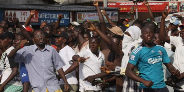 Togo: l'opposition ne cède pas, le gouvernement annule une conférence internationale