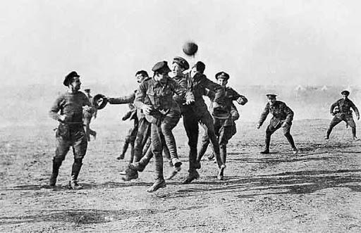 Film Joyeux Noel De Christian Carion.Noel 1914 Des Soldats Imposent La Treve Npa
