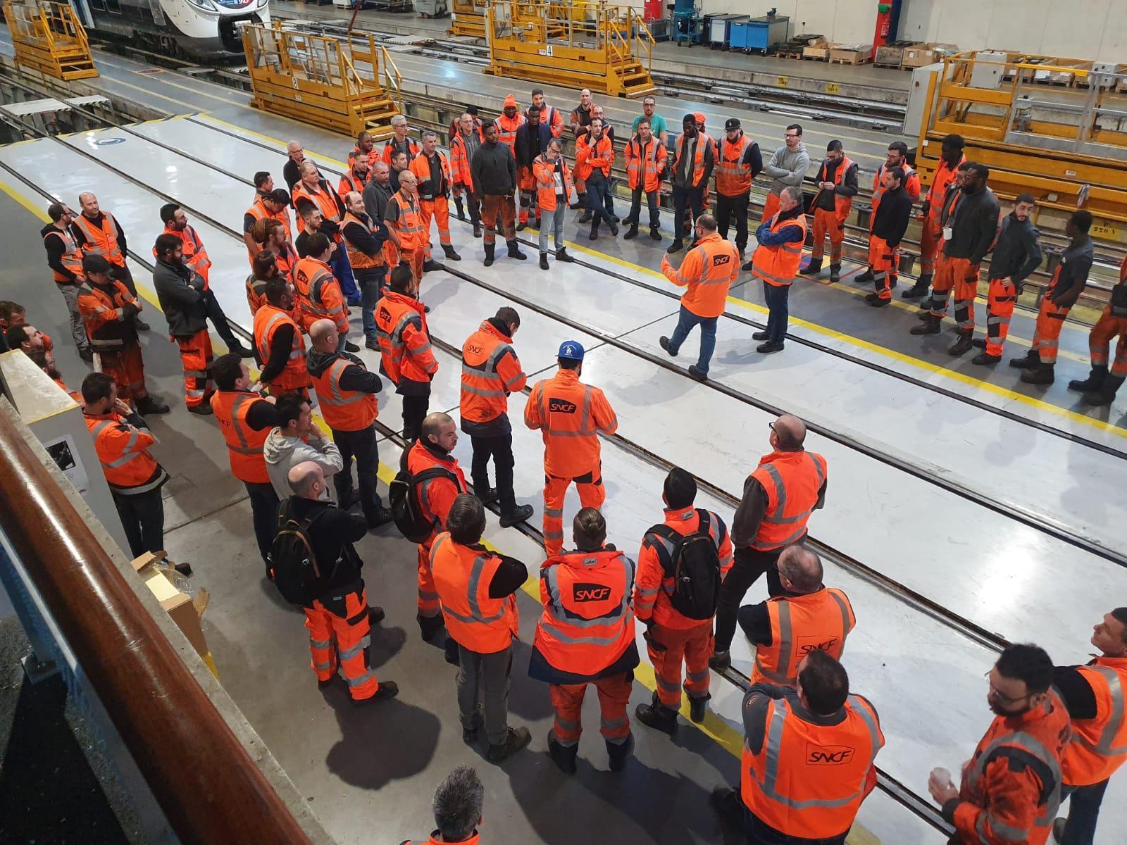 SNCF : des primes pour des cheminots non grévistes font polémique